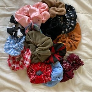 Scrunchie Bundle! Offers Accepted!